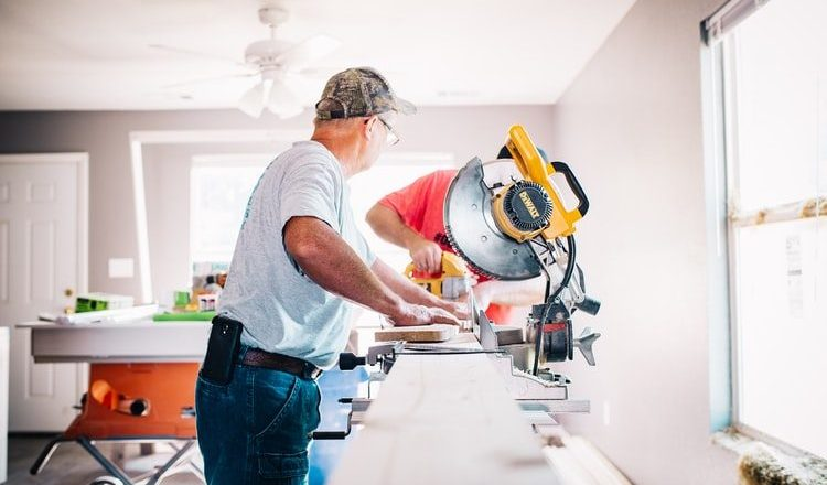 10 BEST  MITRE SAW 2021 UK [ Review's and Buyer's Guide ]
