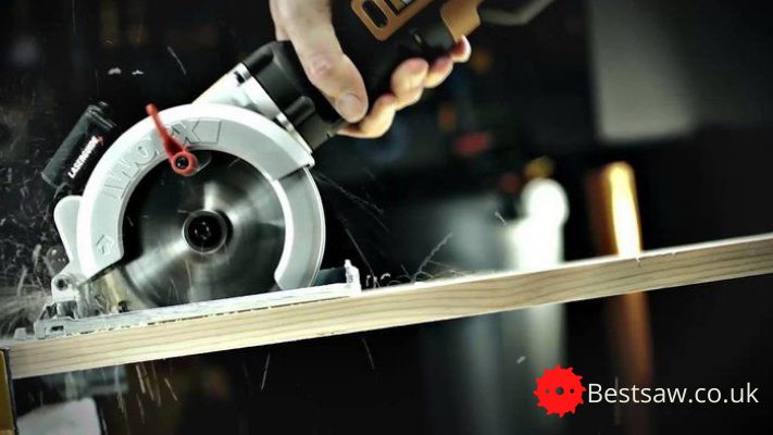 Best Mini Circular Saw UK 2021 [ Reviews & Buyer's Guide ]